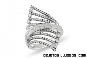 anillos con forma triangulares de diamantes