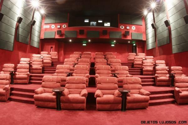sofás de lujo en cines