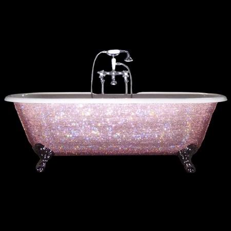 Bañera rosa con brillantes