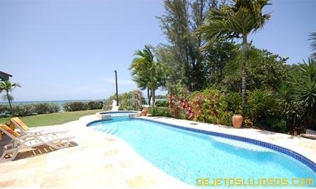 Baywatch-casa-en-las-playas-jamaiquinas