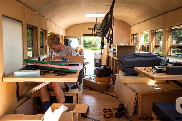 buses reformados en madera