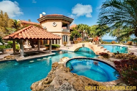 Casa-en-Miami-con-piscina-fabulosa