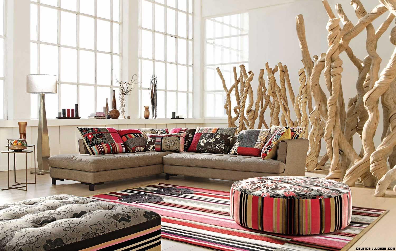 Cojines de colores para sofás minimalistas
