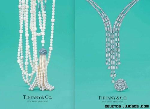 Colgantes de perlas blancas