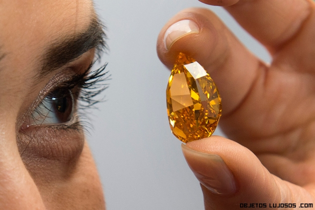 caprichos de lujo en forma de diamantes