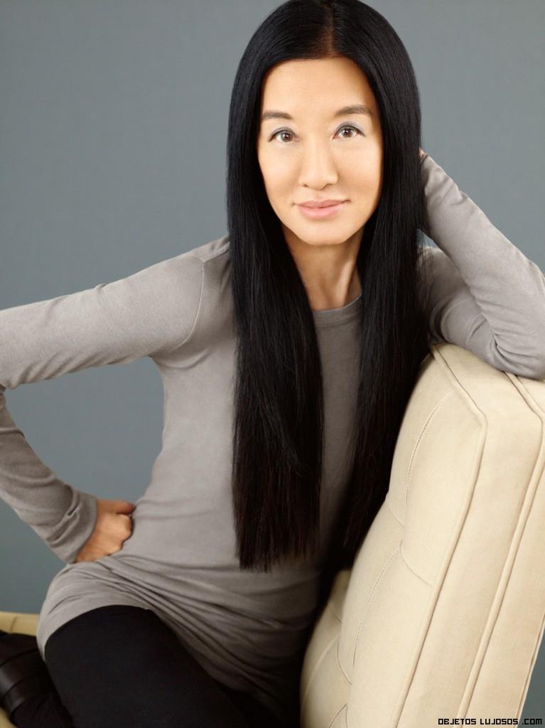 Vera Wang posando