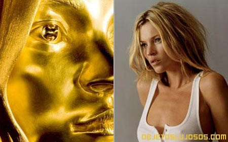 Estatua-de-oro-de-Kate-Moss