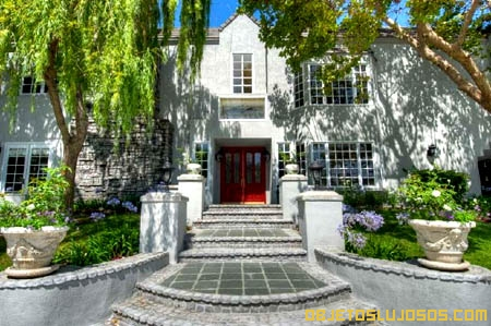 Mansion-de-Scott-Baio-en-Toluca-Lake