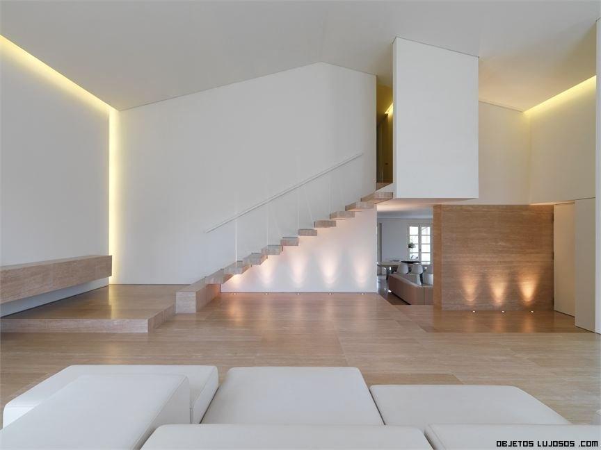 escaleras modernas en casas de lujo