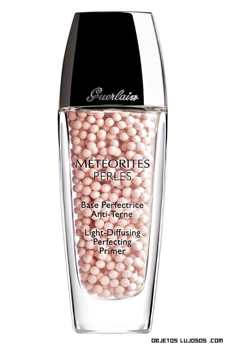 maquillaje perfecto con perlas