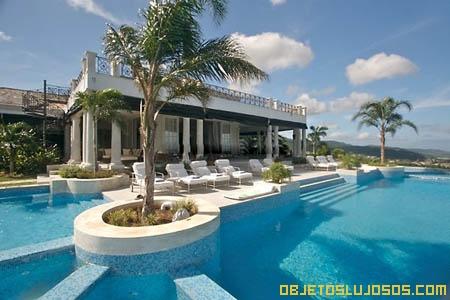 Piscina-de-lujo-en-Jamaica