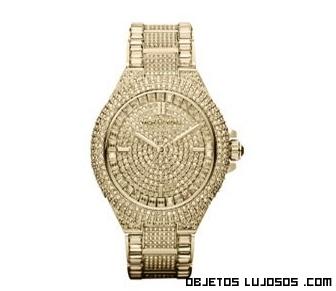 Relojes dorados con brillantes