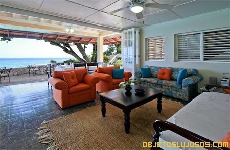Sala-de-lujo-en-una-villa-de-Jamaica