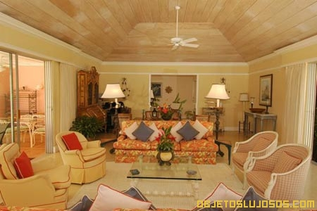 Sala-en-casa-de-lujo-jamaiquina