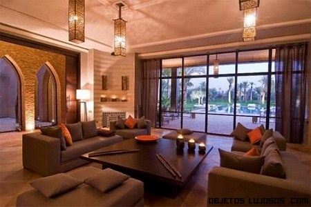 Interior en mansión de lujo