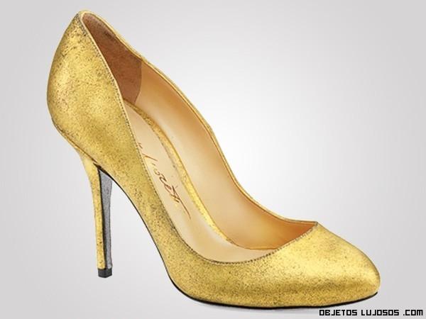 tacones corte salón con oro