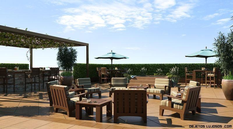 terrazas de lujo con muebles en madera