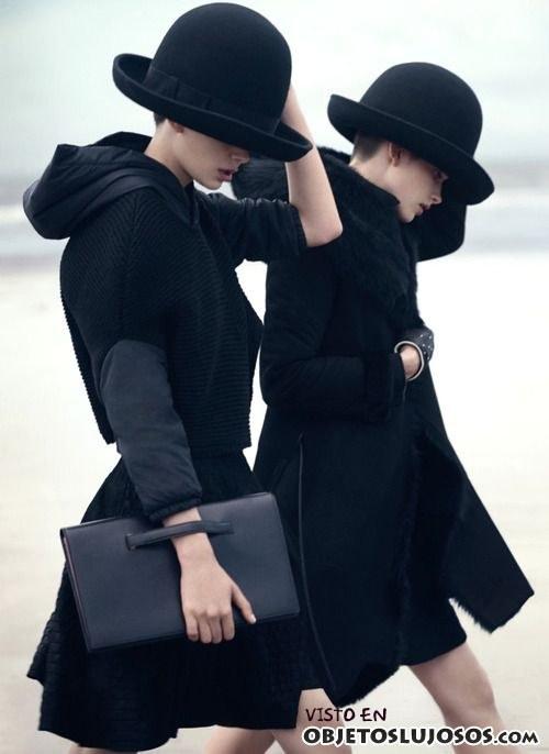abrigos Armani en color negro
