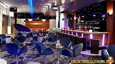 bar-en-un-hotel-de-lujo-COREA