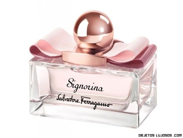 envases de perfumes con lazos