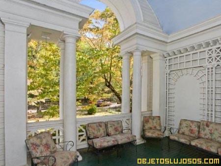 casa-con-columnas-griegas