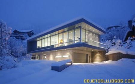 casa-en-medio-de-la-nieve