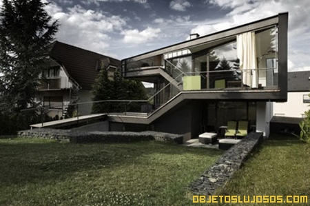 casa-moderna-de-forma-irregular