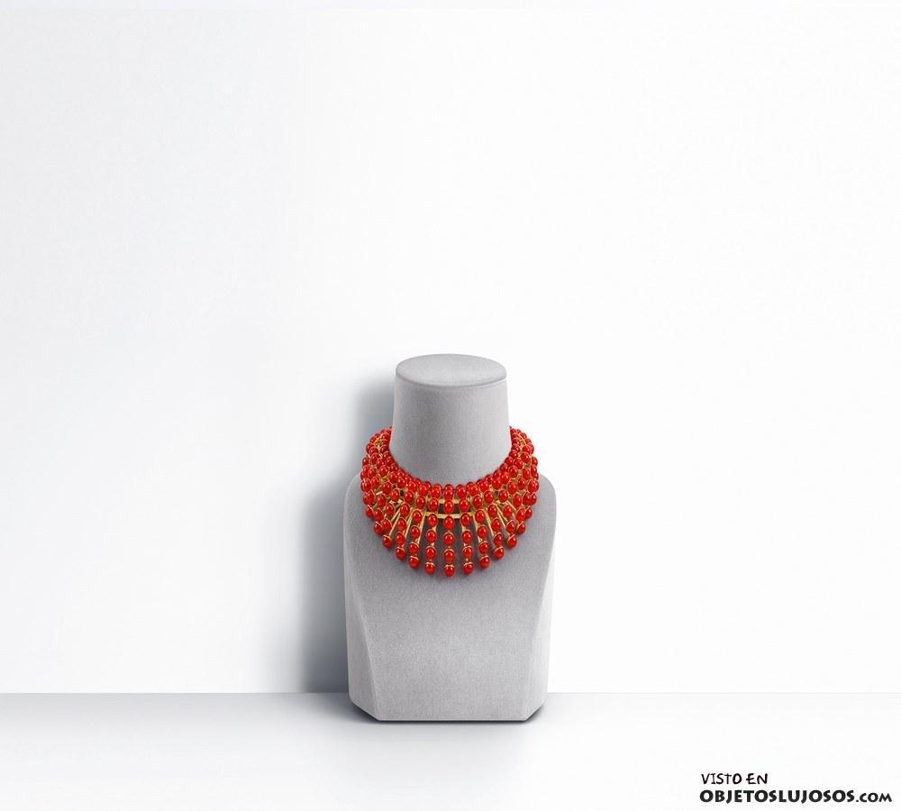collar rojo Dior