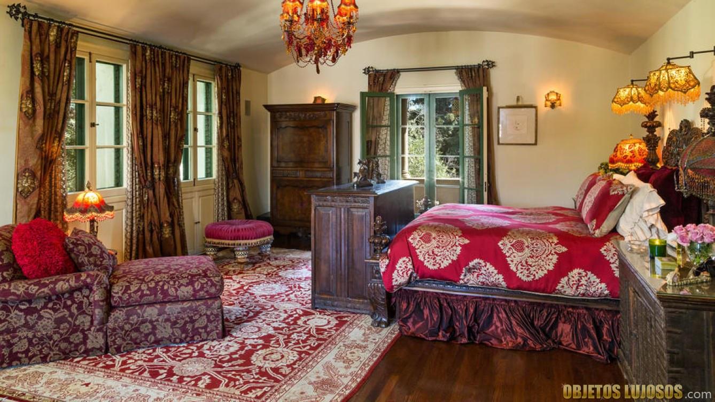dormitorio de la mansión de antonio banderas