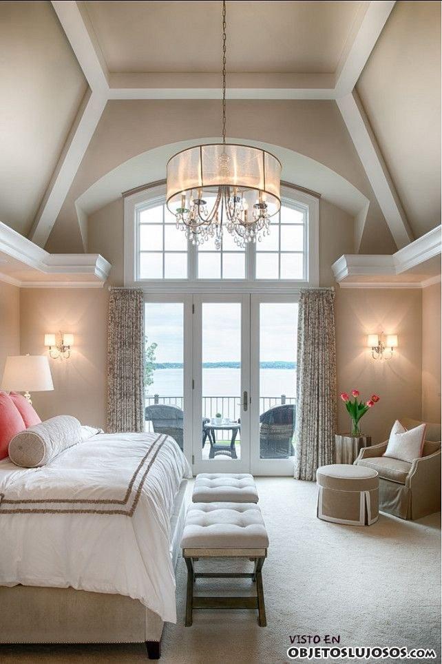 dormitorio de lujo con terraza