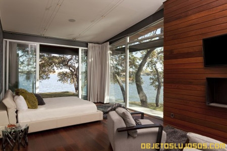 dormitorio-de-lujo-con-vista-al-lago