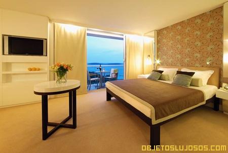 dormitorio-en-hotel-de-negocios