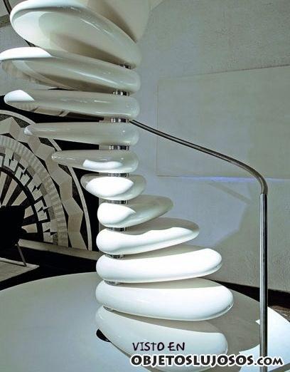 escalera original con piedras