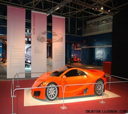 exposición de coches de coleccionistas