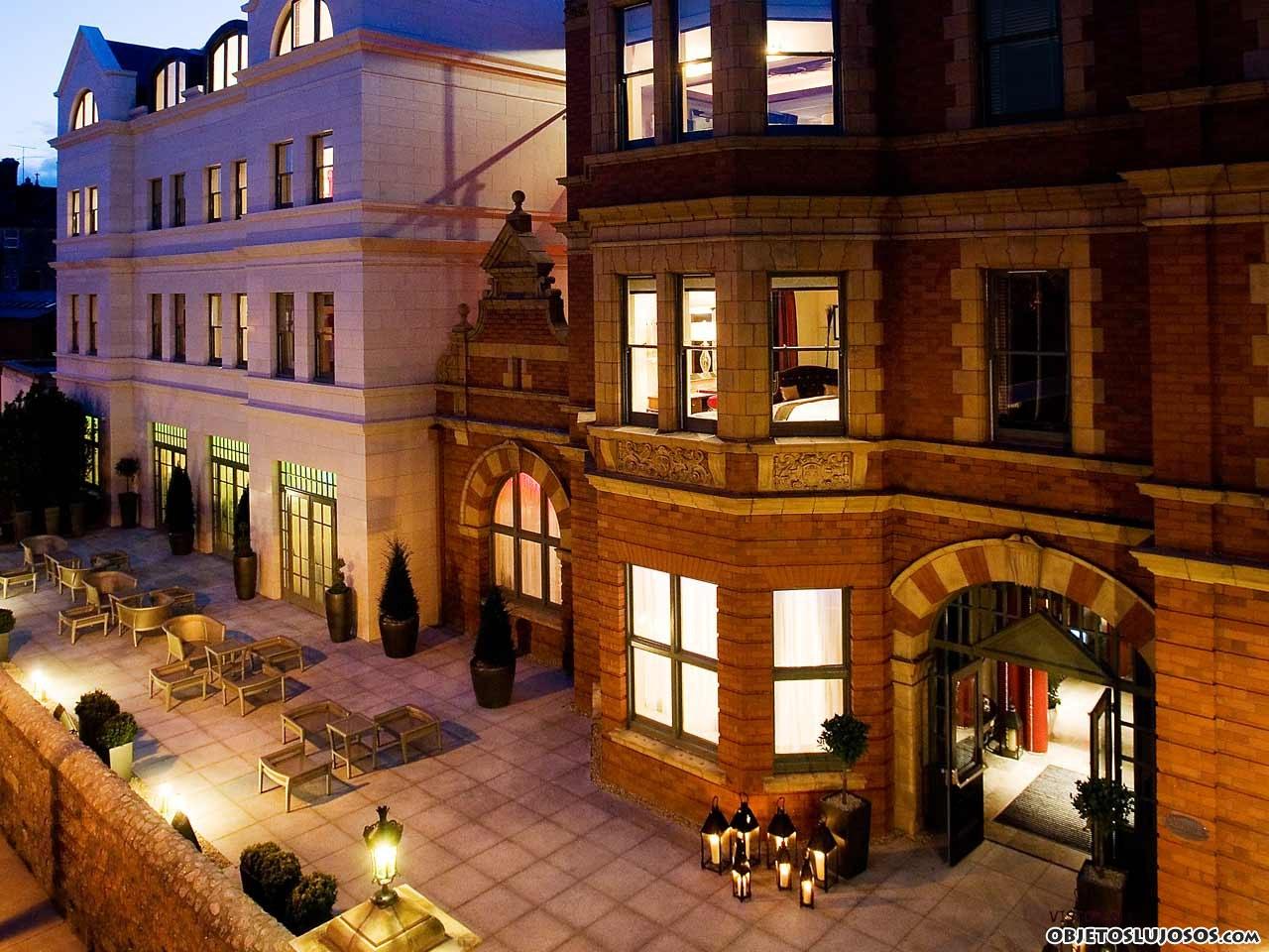 fachada hotel dylan