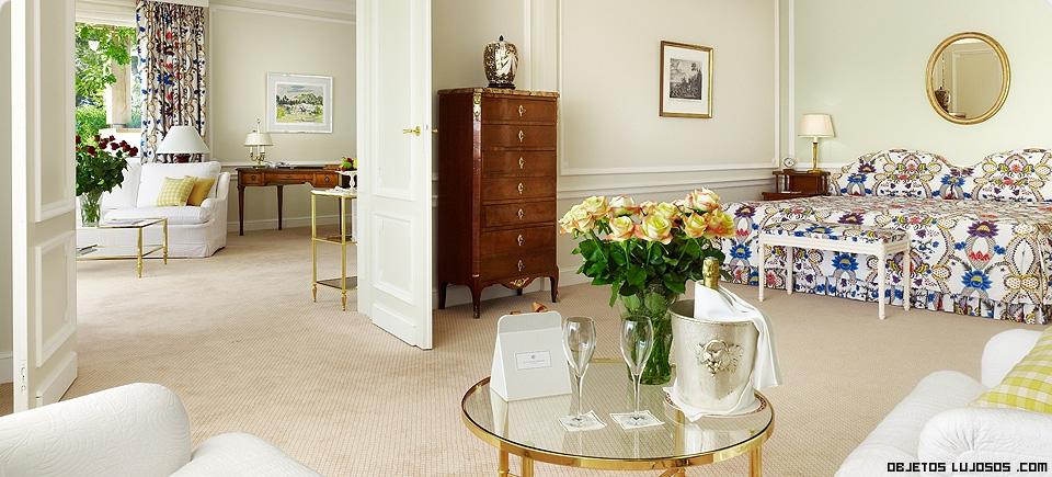 Habitaciones de lujo decoradas con flores
