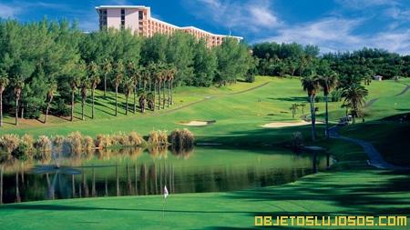 hotel-de-lujo-con-cancha-de-golf