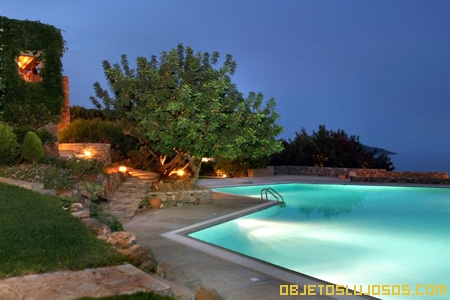 hotel-de-lujo-piscina-salada