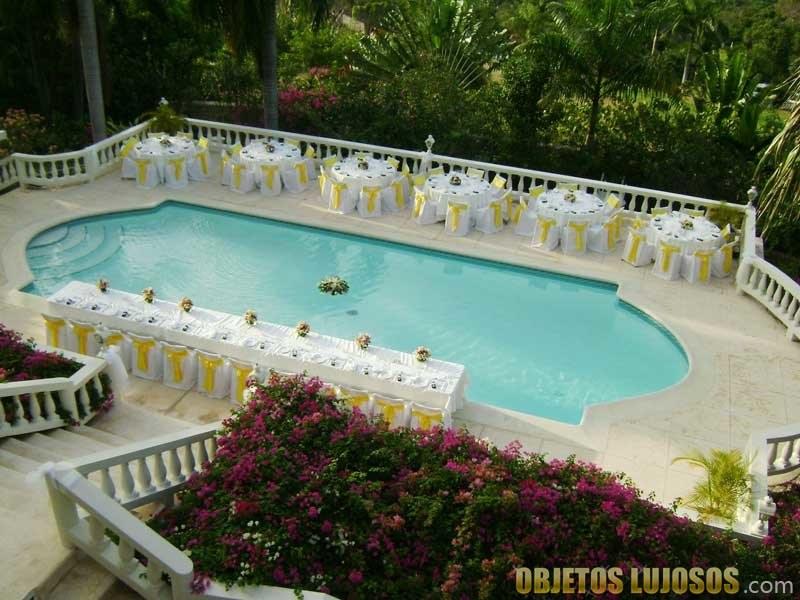 piscina de lujo en endless summer