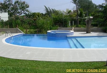 piscina-privada-en-villa-caribena