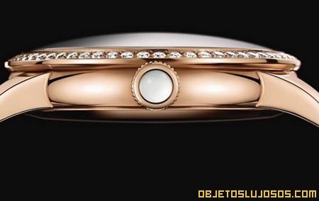 reloj-con-cuerpo-de-oro