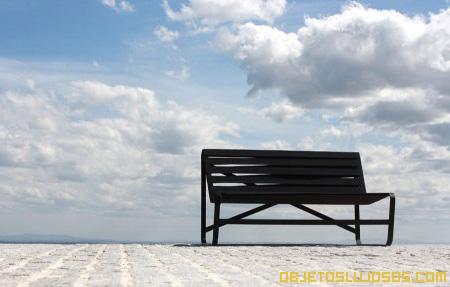 silla-minimalista-decoracion-de-interiores