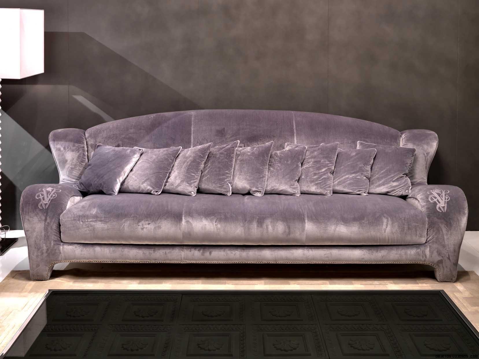 sofás de terciopelo en color