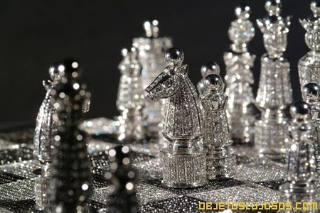 tablero-de-ajedrez-hecho-en-oro
