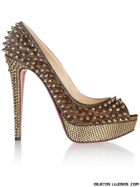 zapatos con piel de serpiente