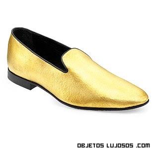 zapatos en negro y dorado de lujo