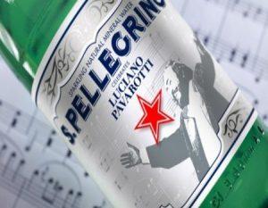 Botella de agua en honor a Luciano Pavarotti