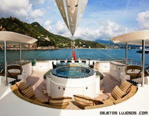 Catamarán de lujo