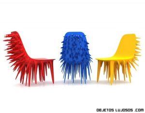 Lujosa silla con pinchos