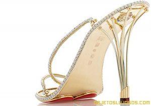 Tacones con oro y diamantes